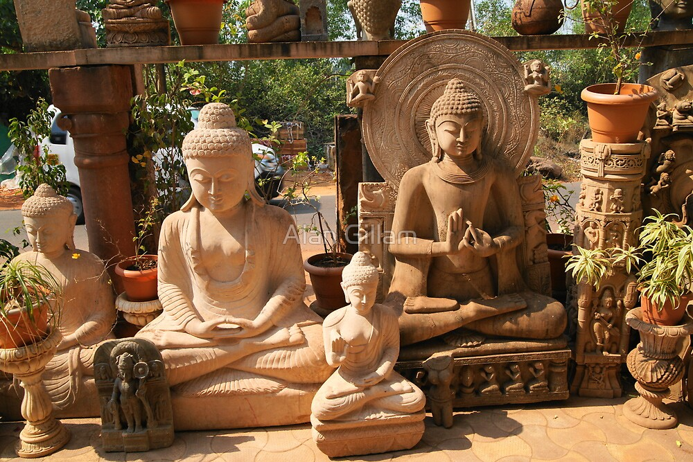 Buddha statues by Alan Gillam