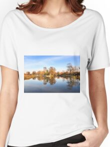 River Wey, Pyrford, Surrey Women's Relaxed Fit T-Shirt