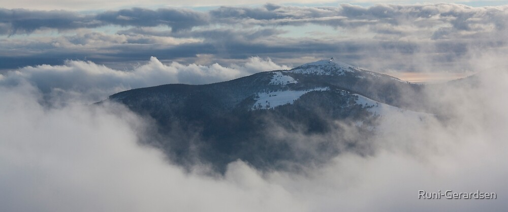 Through the clouds by Runi-Gerardsen