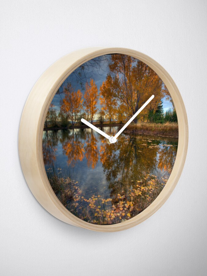 Alternate view of Autumn in Otago County Clock