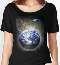 contact with earth Women's Relaxed Fit T-Shirt