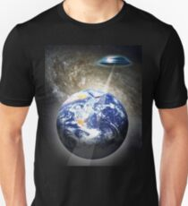 contact with earth T-Shirt