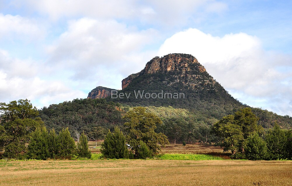 Capertee Valley - NSW Australia by Bev Woodman