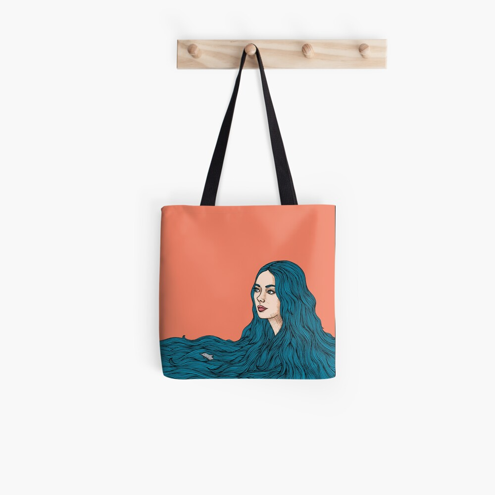 Ella y el mar Tote Bag