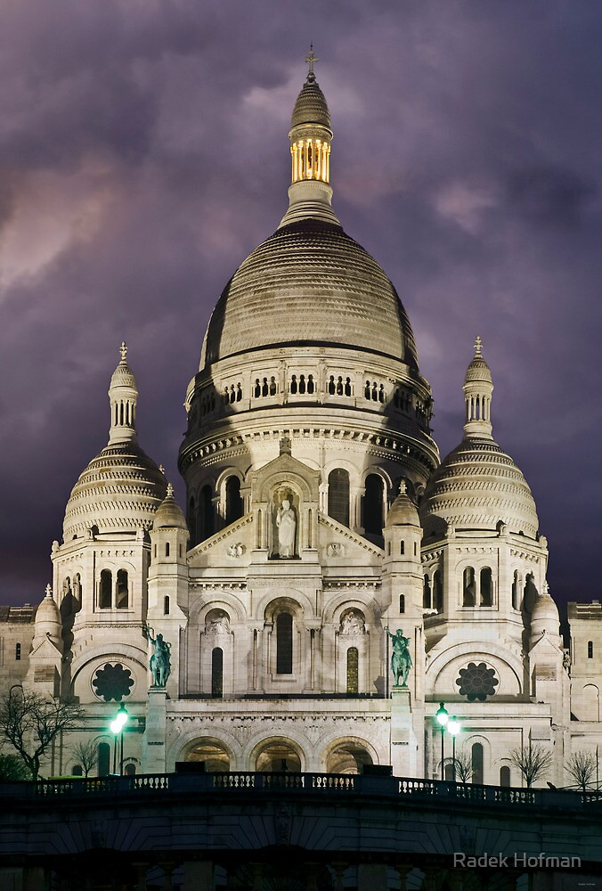 Sacre Coeur by Radek Hofman