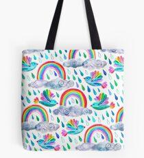 Frühlingsduschen und Regenbogenvögel auf Weiß Tote Bag