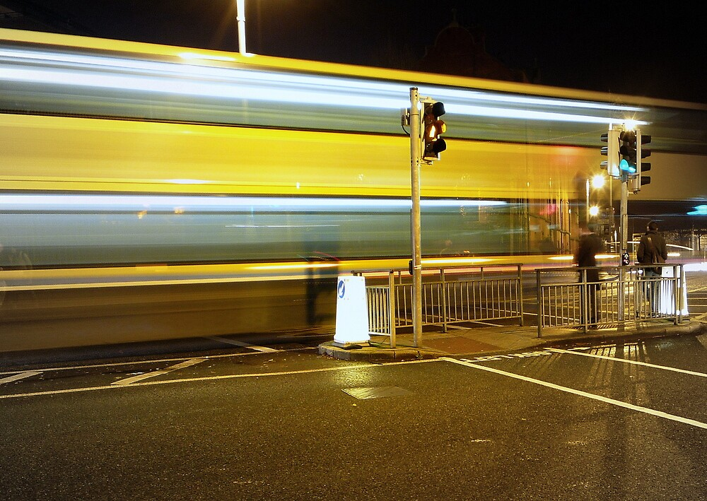 Dublin ghost bus by Esther  Moliné