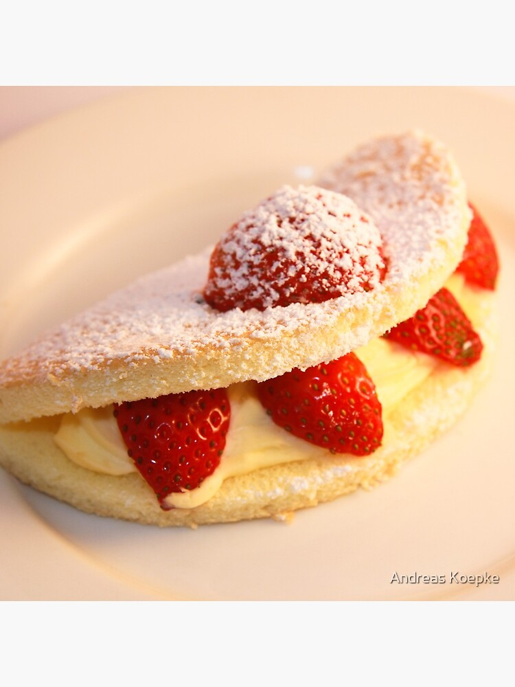 Strawberry sponge cake by mistered