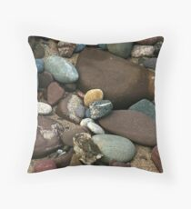 rocks along lake superior Throw Pillow