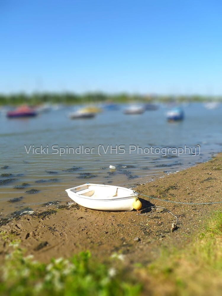 Lonely Boat by Vicki Spindler (VHS Photography)