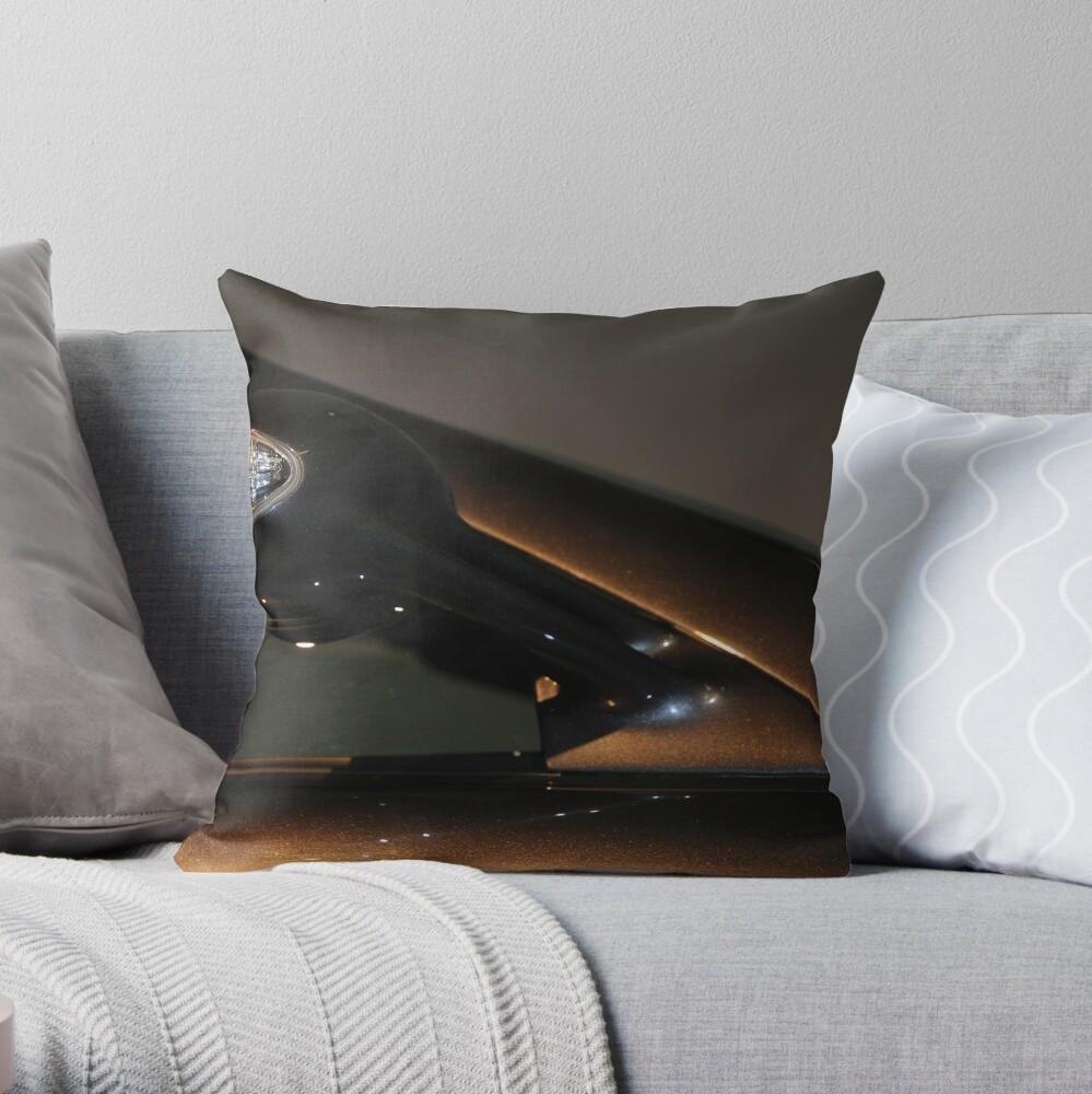 Black serie 5 Throw Pillow