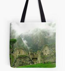 Machu Picchu Místico Tote Bag