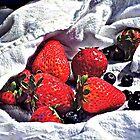 Reife Erdbeeren von Susan Savad