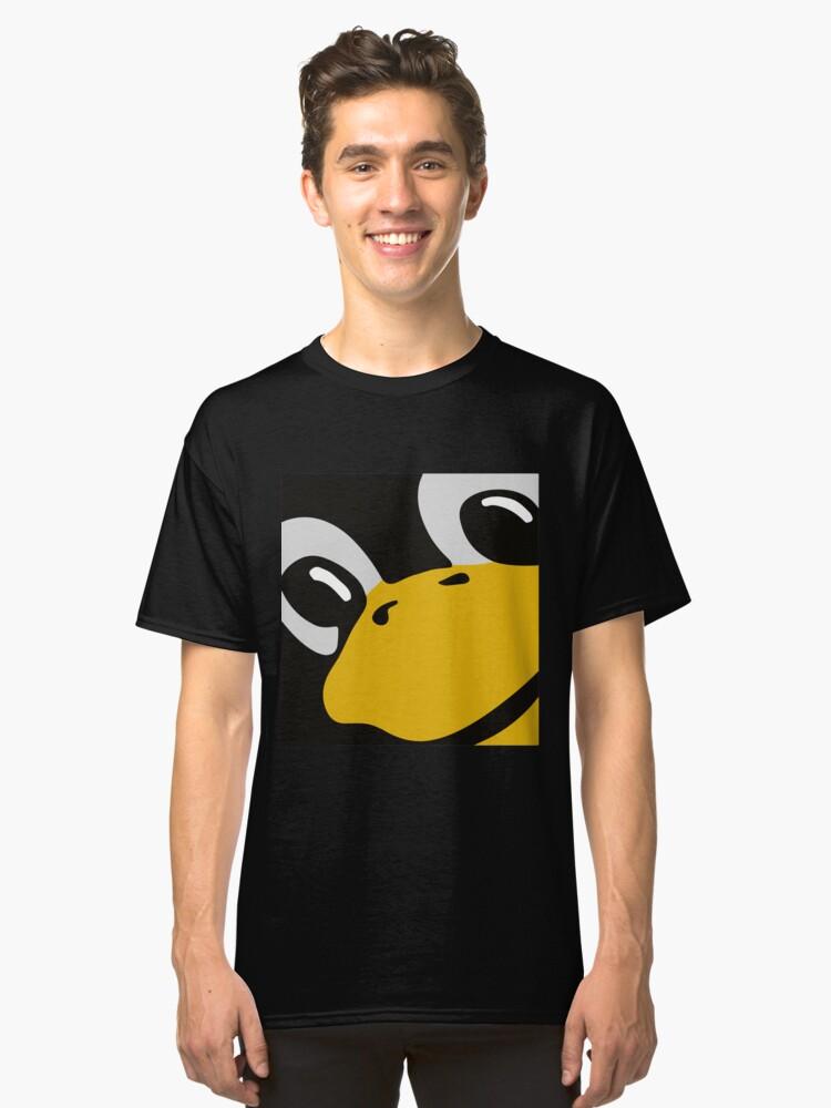 linux tux penguin eyes Classic T-Shirt Front