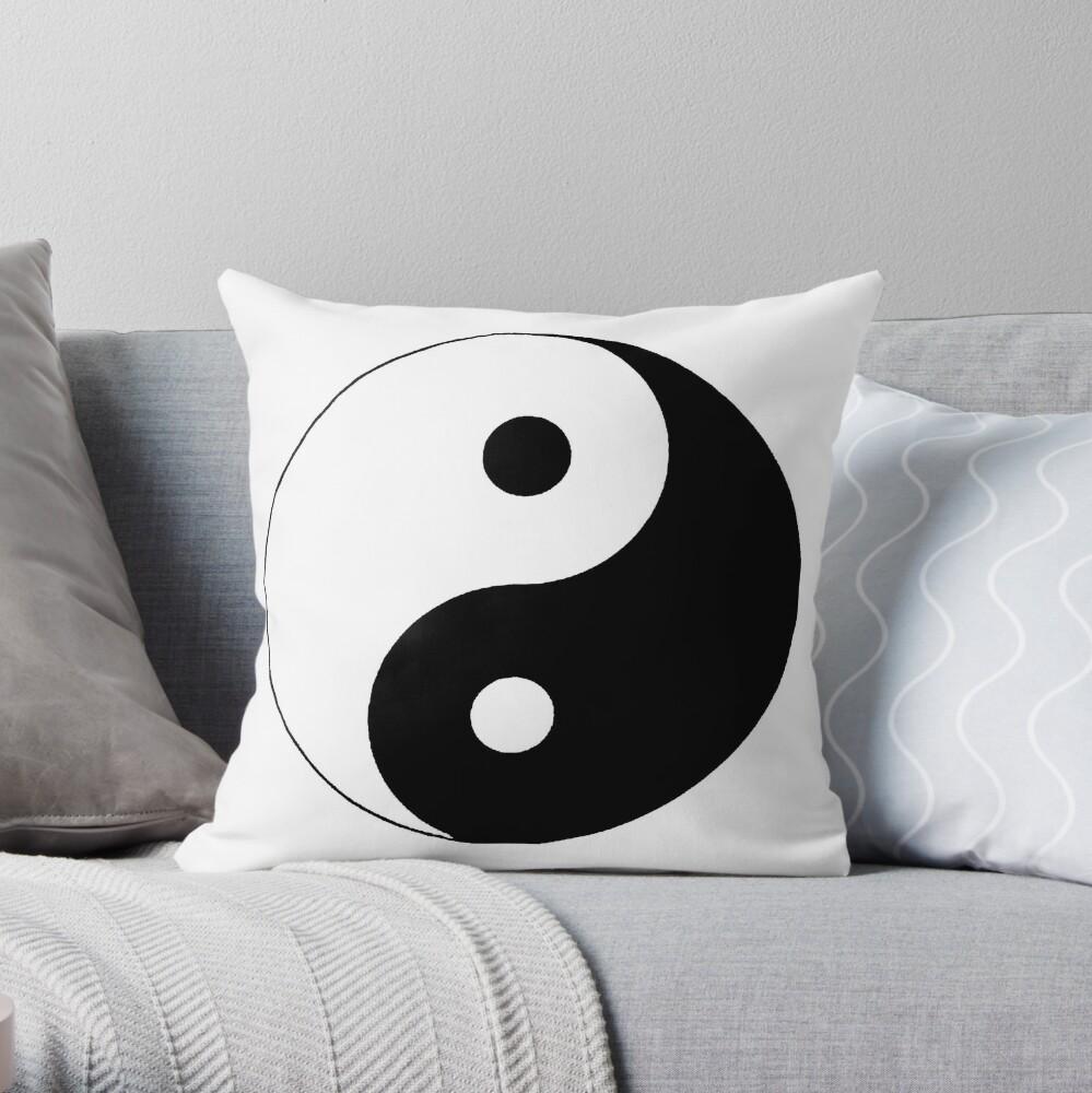 """""""Yin Yang"""" Throw Pillow"""