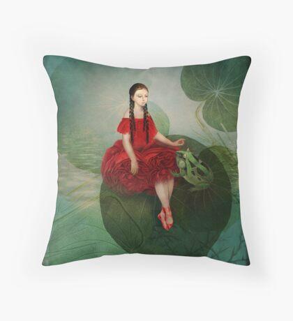 Thumbelina (Däumelinchen) Throw Pillow