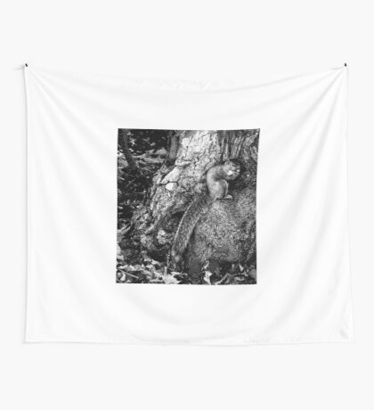 squirrel and the tree king Wall Tapestry