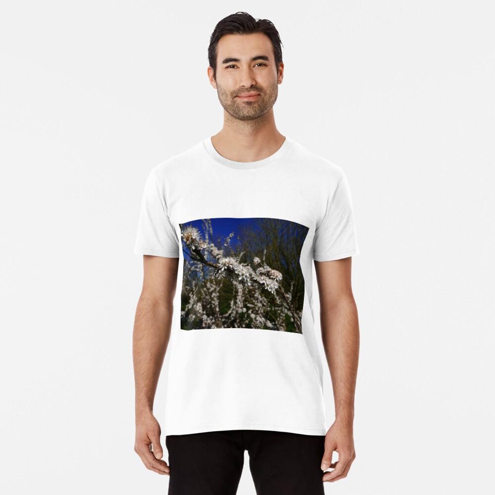 Blackthorn (Prunus spinosa) Premium T-Shirt