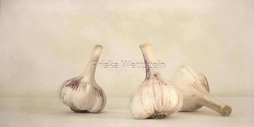 Fresh Garlic by Priska Wettstein