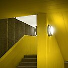 Yellow building by laurentlesax