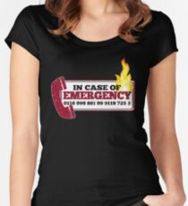 It Crowd Inspired - New Emergency Number - 0118 999 881 99 9119 725 3 - Moss and the Fire Women's Fitted Scoop T-Shirt