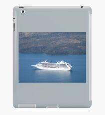 TOURIST LINER VISITS MYKONOS iPad Case/Skin