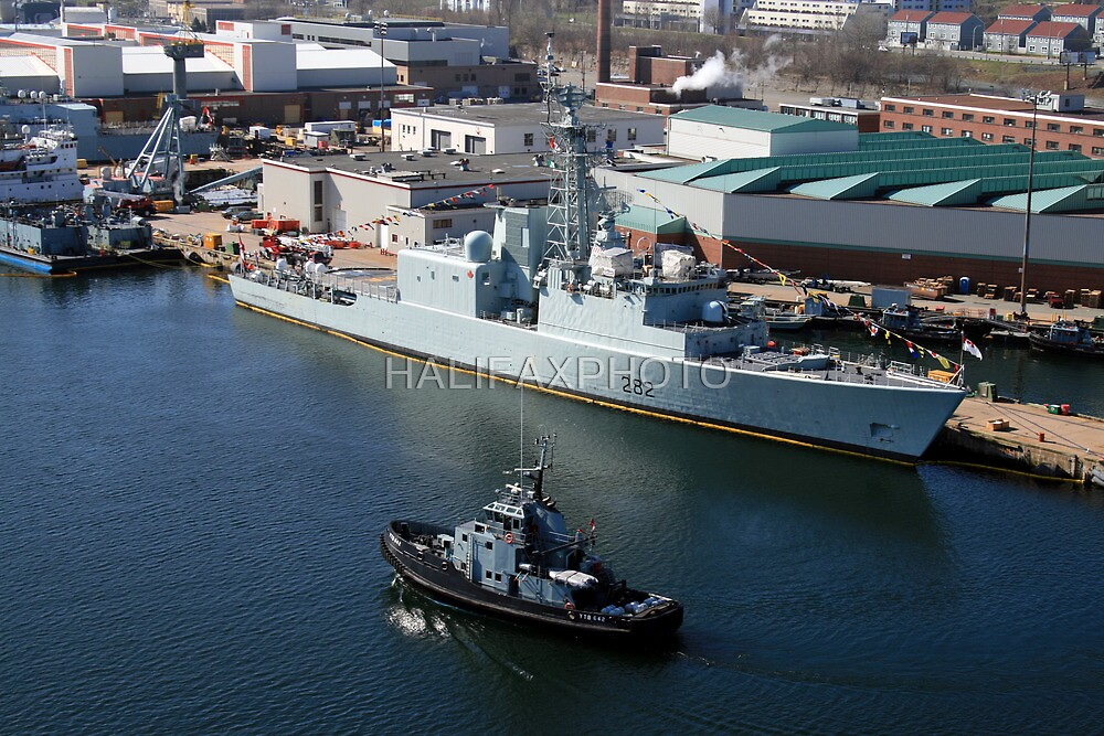 HMCS Athabaskan  by HALIFAXPHOTO