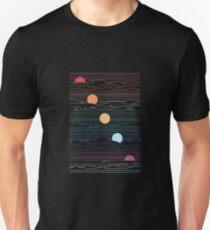 Camiseta ajustada Muchas tierras bajo un sol