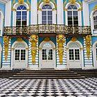 «Fachada en San Petersburgo-Palacio de verano» de mypic