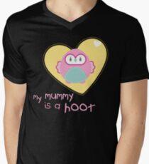 OWL SERIES :: heart - mummy is a hoot 2 Mens V-Neck T-Shirt