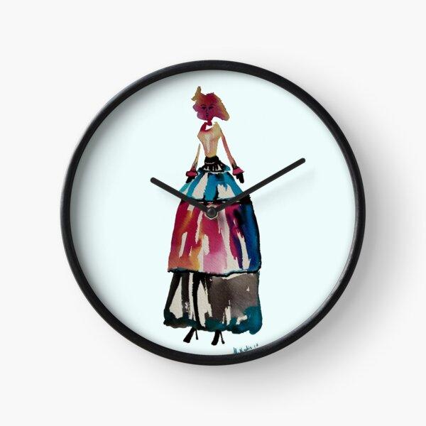 Donna alta rossa Clock