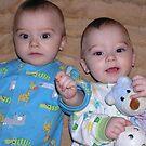 Twins again by Jamaboop