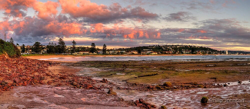 Daybreak - Long Reef, Sydney, Australia (Panorama 25 Exposures) by Philip Johnson