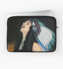 Live Fast. Die Young. Be Wild. And Have Fun. Laptop Sleeve