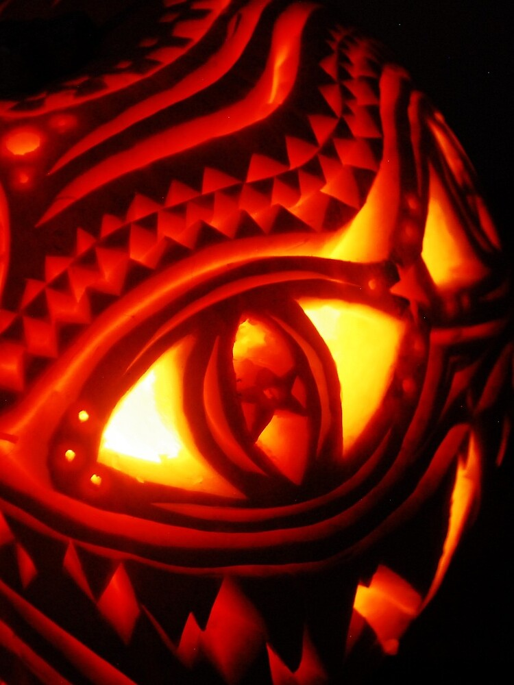 Ornate pumpkin carving by pangopup