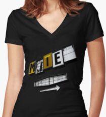 Motel Women's Fitted V-Neck T-Shirt