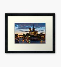 Cathédrale Notre-Dame de Paris la nuit Impression encadrée