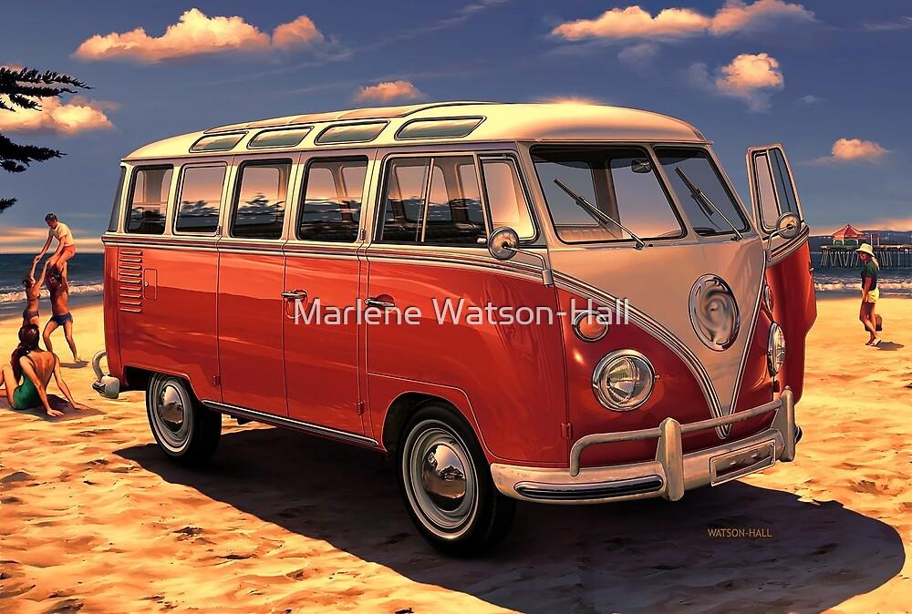 Weinlese-Surfer Van - Sonnenuntergang von Marlene Watson