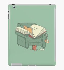 BOOK READS iPad Case/Skin
