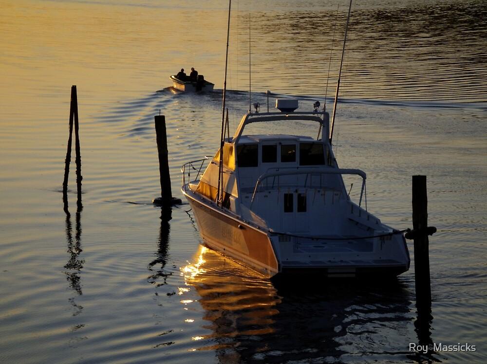 Waitangi dawn......... by Roy  Massicks