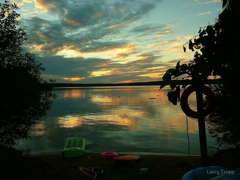 OPALESCENT COLORS ON THE LAKE by Larry Trupp