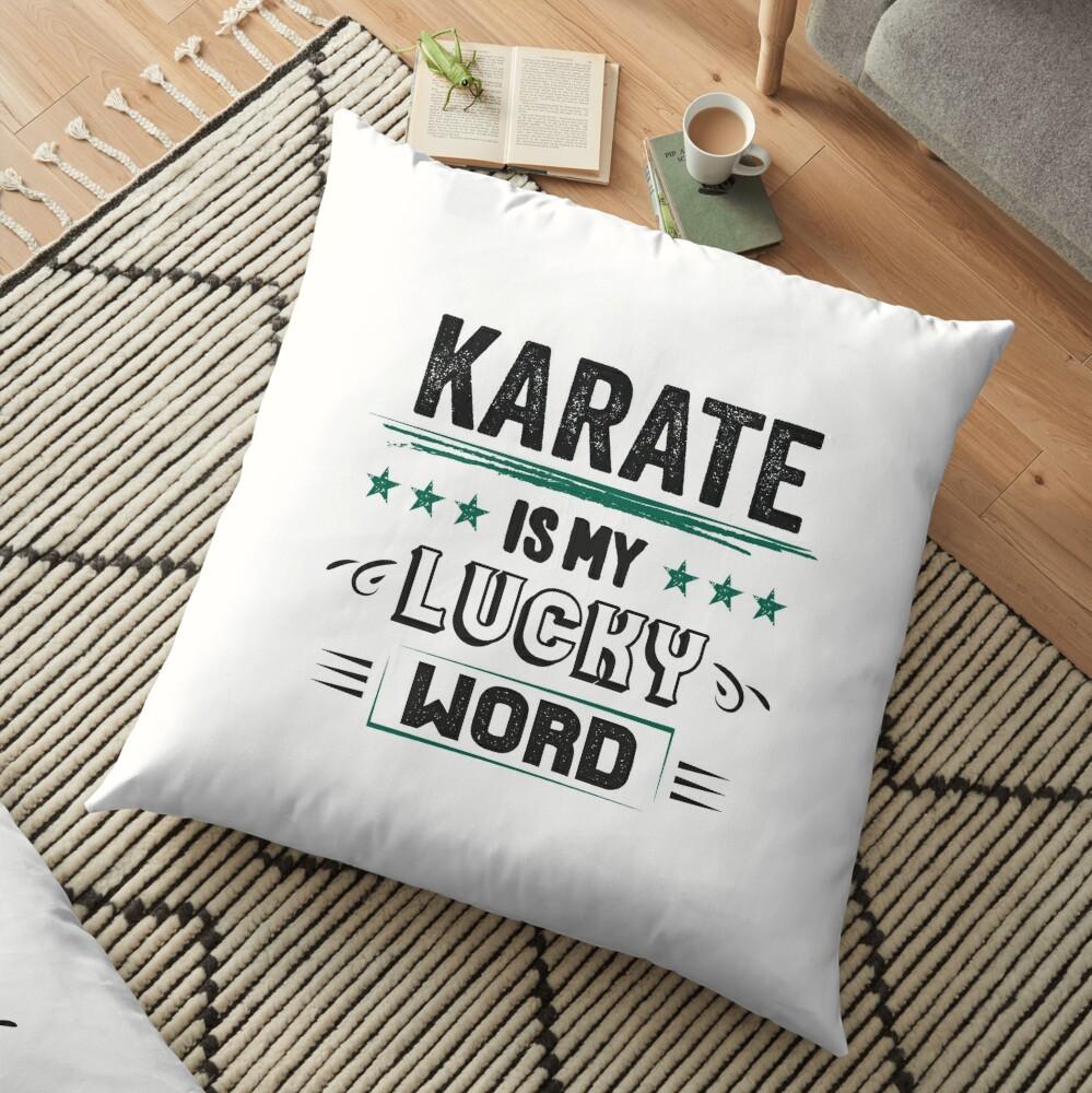 Karate Lucky Word- Cooles Witziges Lustiges Comic Graphic Karatekämpfer Karateschule Trainer Team Humor Spruch Sprüche Geschenke Bodenkissen