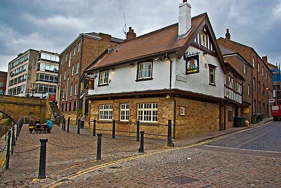 Kings Arms - Kings Staith - York by Trevor Kersley