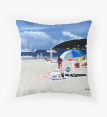 Praia! Throw Pillow