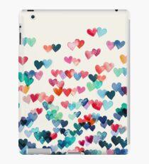 Herz-Verbindungen - Aquarellmalerei iPad-Hülle & Klebefolie