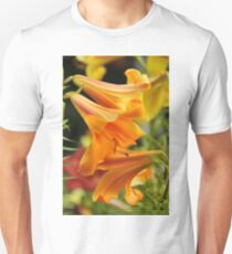 "Trumpet Lily ""African Queen"" Unisex T-Shirt"