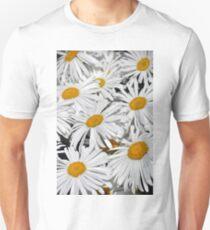 Pretty white daisies Unisex T-Shirt