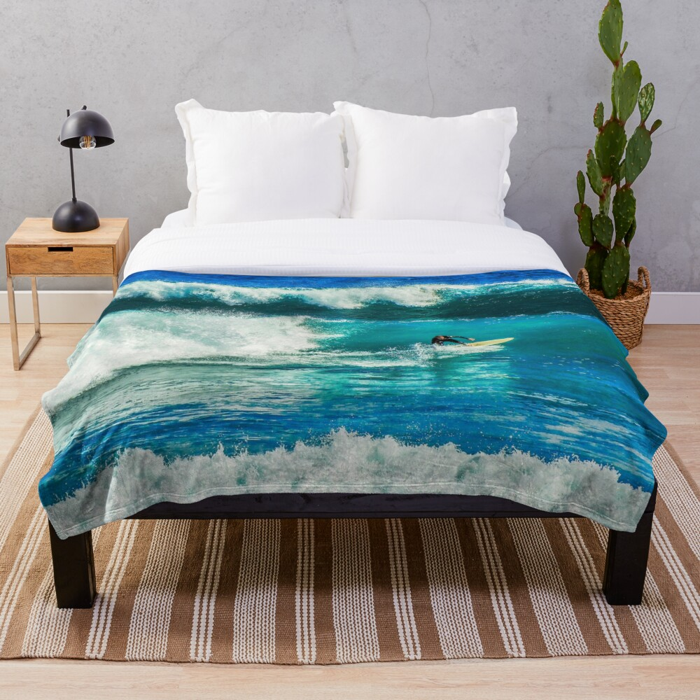 Surfing time Throw Blanket