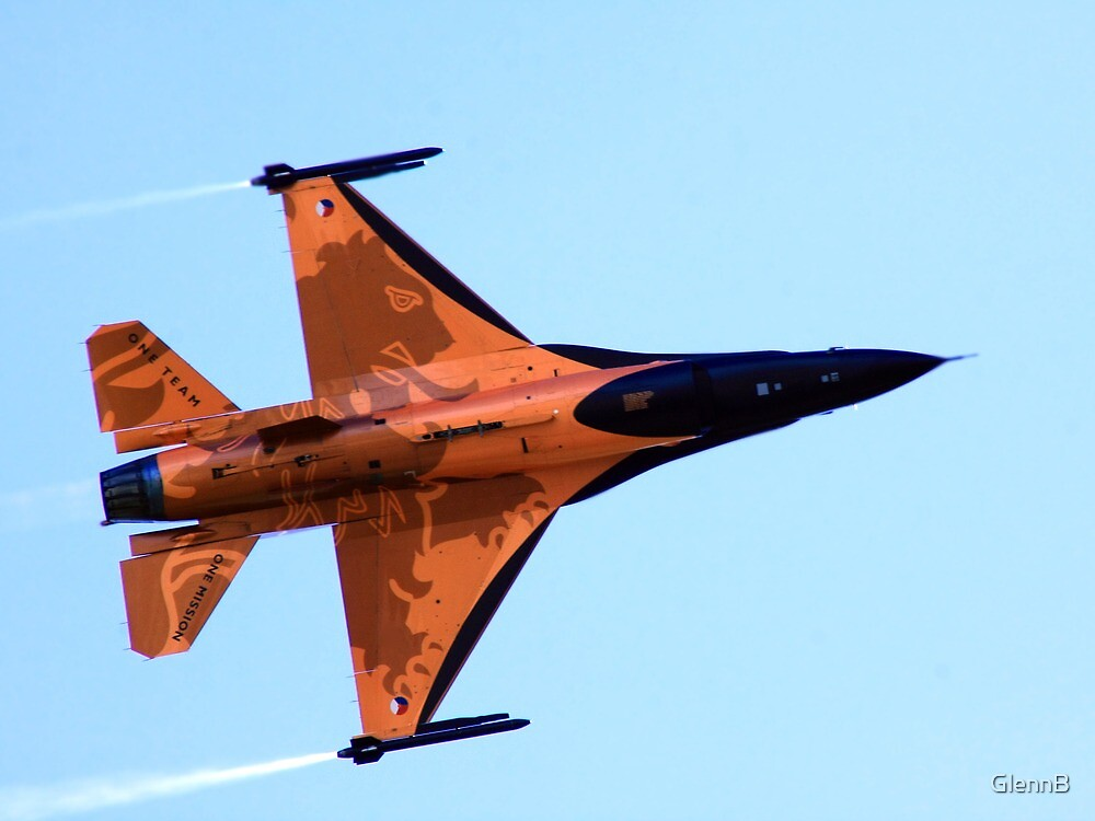 RNAF F16 Solo Display by GlennB