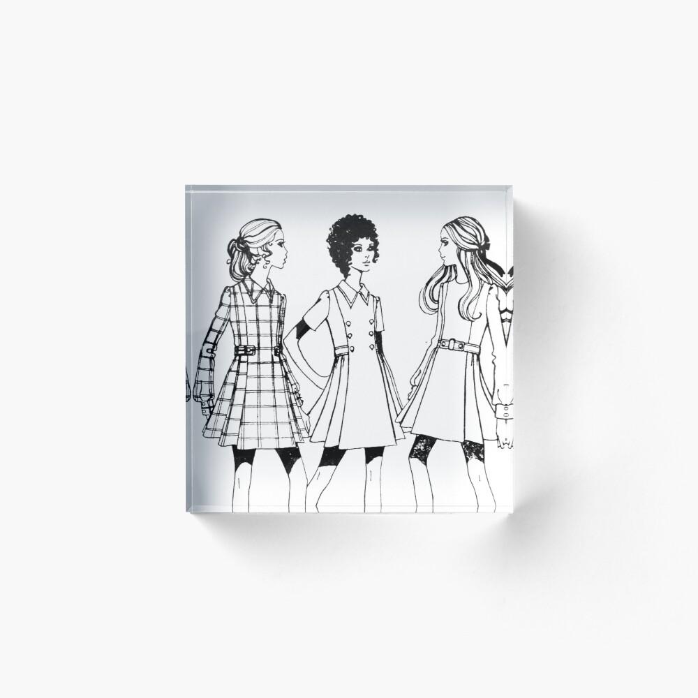 Le - Roy / Weldons Pattern 9223 : Mid 1960's Acrylic Block